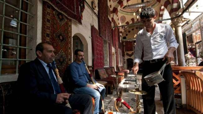 img1024-700_dettaglio2_narghile-Turchia-afp